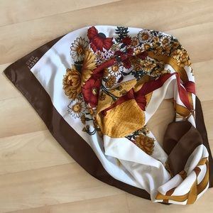 Vintage multicolored large Gucci silk scarf